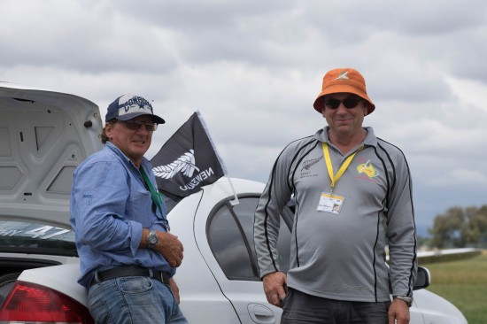 Alan and Kingaroy tow pilot Neil